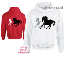hoodie-three-horses-PH0131