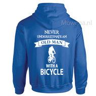 Hoodie-Old-man-Bicycle-div.kleuren-P0055-ak