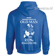 Vest-never-underestimate-an-old-man-who-runs-marathons-div.kleuren-P0062