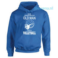 Never-underestimate-an-old-man-with-an-volleyball-div.kleuren-H0v067
