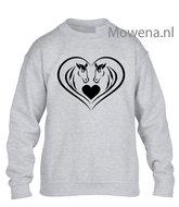 Sweater-kids-paarden-in-hartvorm-met-hartje-vk-KH0097