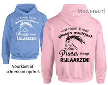 Hoodie-glazen-muiltjes-deze-prinses-draagt-paardrijlaarzen-PH0120